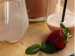 Recette de smoothie aux fraises, menthe et lait d'amande